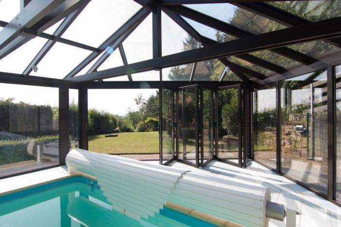 Construire une v randa piscine lux zenithal for Construire une piscine couverte